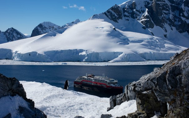 Discover the majestic beauty of Antarctica.