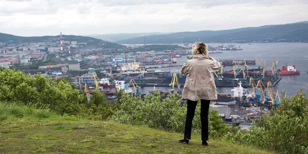 Take in the view of Murmansk from Alyosha Monument.