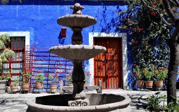 Discover local colour in Arequipa.