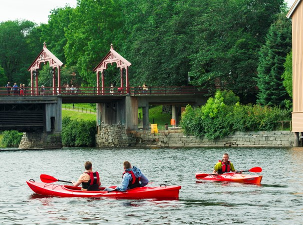 Join an excursion and go kayaking on the river Nid in Trondheim
