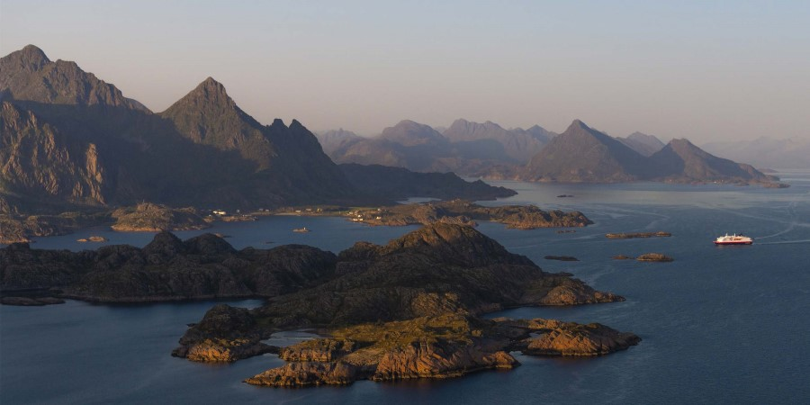 MS Kong Harald in Lofoten