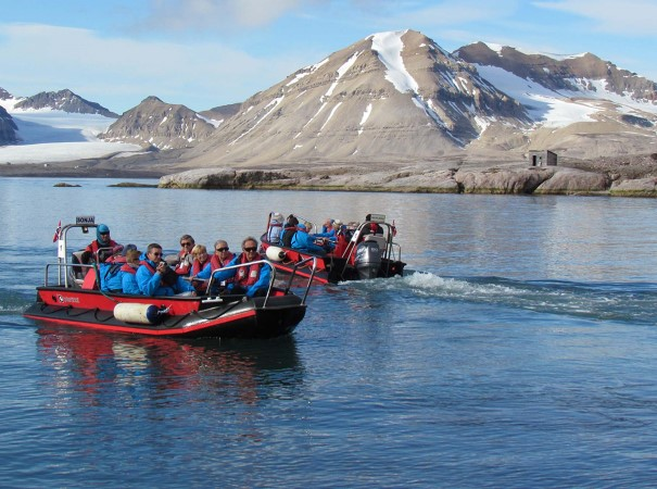 Kongsfjord, Svalbard. Join the Expedition Team and explore the great national parks and some of the most spectacular highlights of the Arctic.