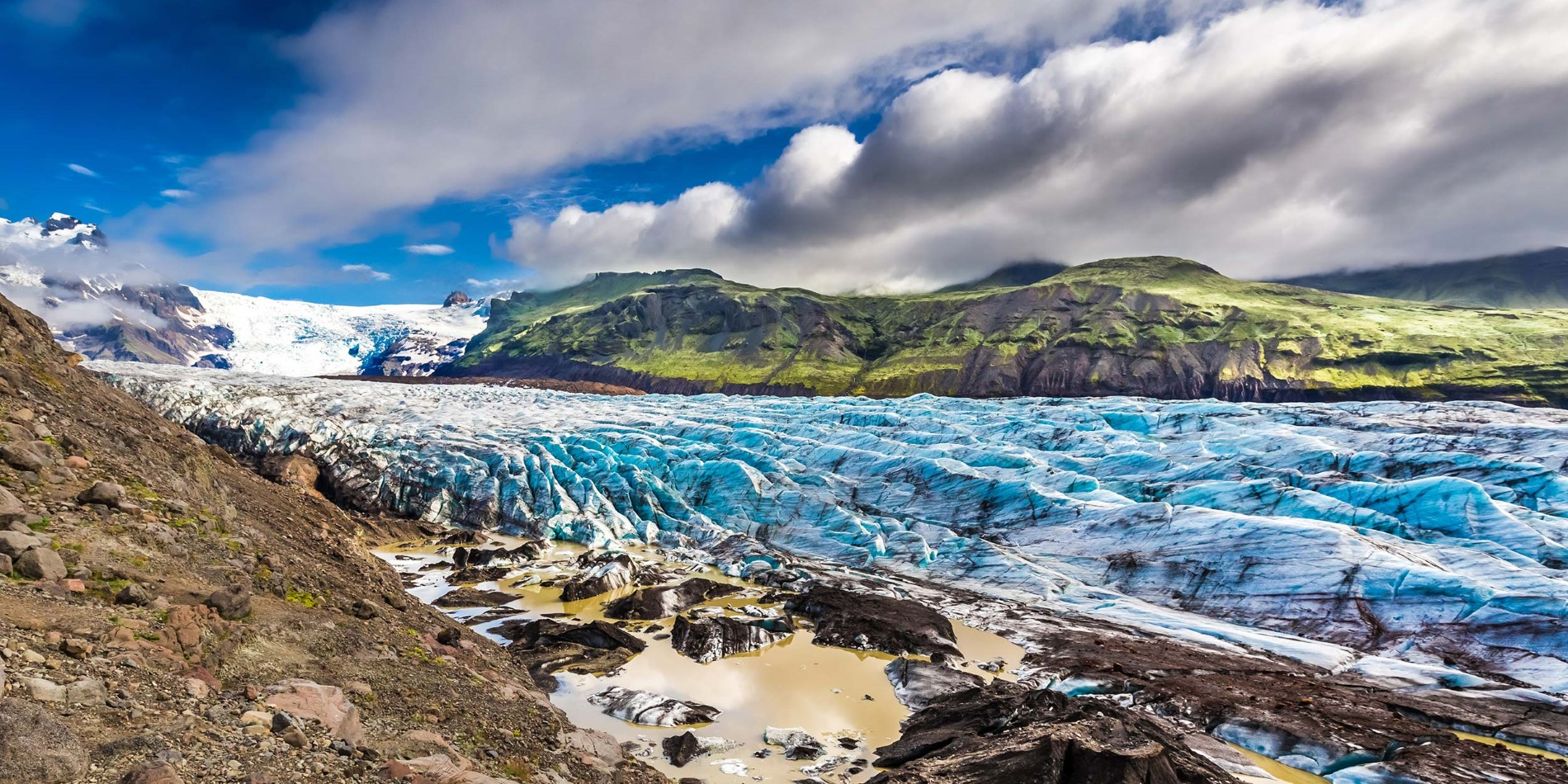 The enormous Vatnajokull glacier and the Icelandic mountains that surround it
