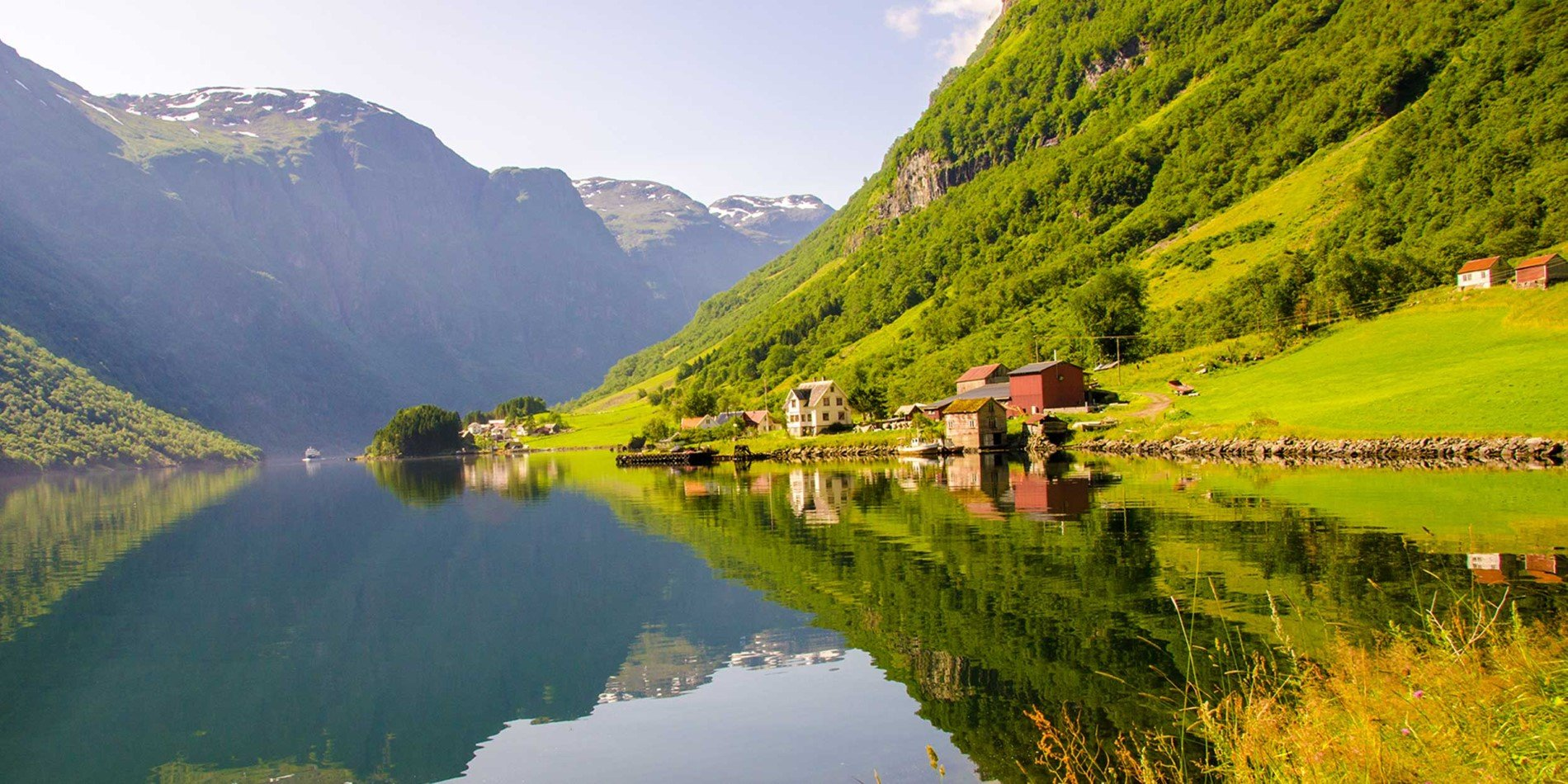 Experience the breathtaking Nærøyfjord on this tour