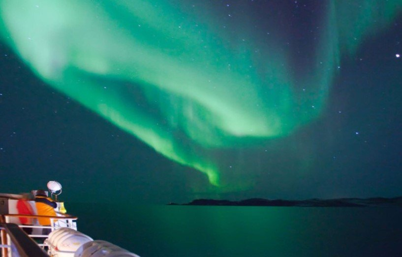 A view of the northern lights from MS Lofoten