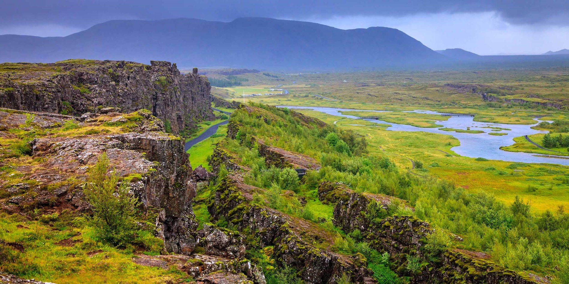 Thingvellir_National_Park©Shutterstock_2500x1250.jpg