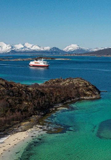 Hurtigruten in Raftsundet